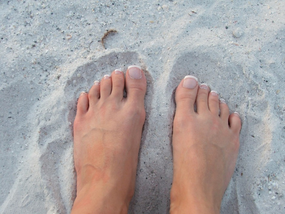 Feet_on_Beach
